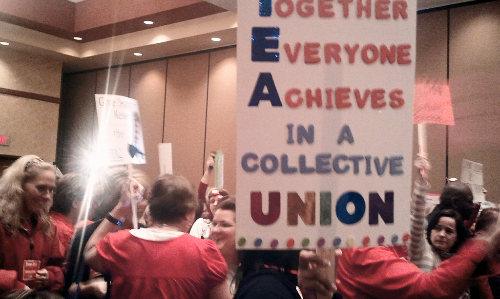 Teachers union rally, Tennessee (cc photo: amsd2dth)