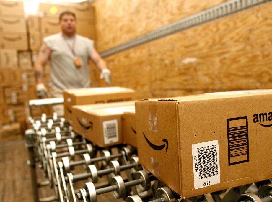 Amazon shipping (photo: ILSR)