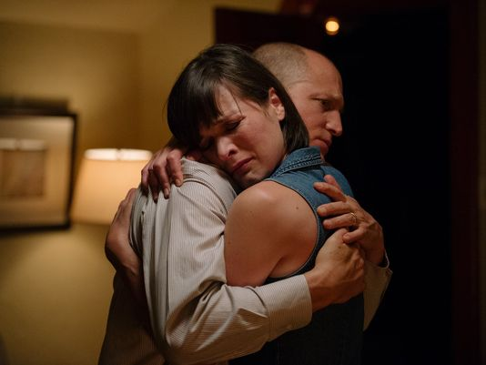 Milla Jovovitch and Woody Harrelson in Shock and Awe