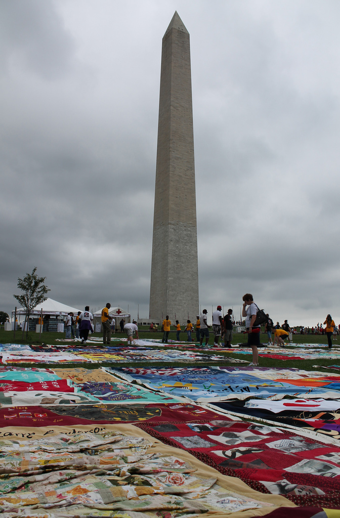 AIDS Quilt on the National Mall (cc photo: Elvert Barnes)