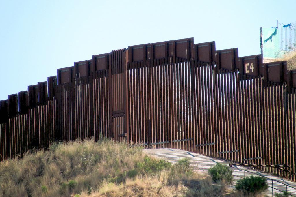 Nogales Wall (cc photo: bobistravelling)