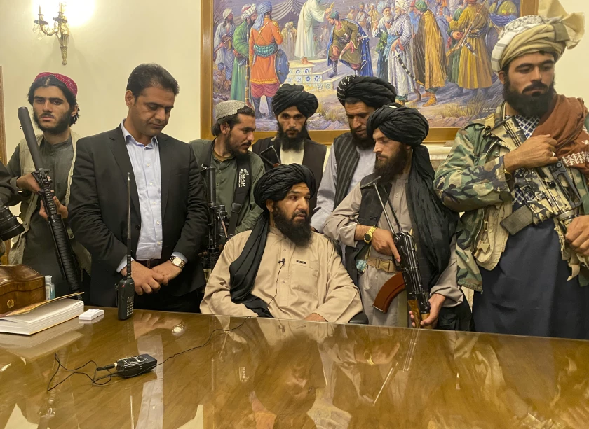 AP photo of Taliban fighters in the presidential palace in Kabul